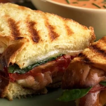 Dill Havarti & Smoked Salmon Sandwich