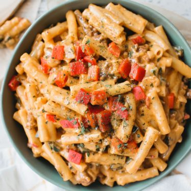 Spicy Roasted Red Pepper Chorizo Mac & Cheese