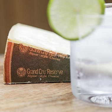 Gin and Roth Grand Cru Reserve is a great cheese and cocktail pairing
