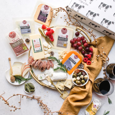 The Ultimate Holiday Cheese Gift Package