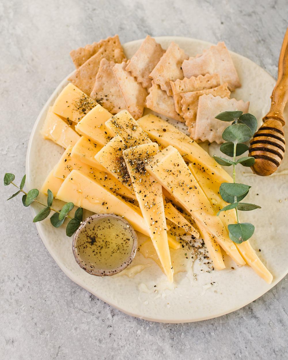 Gouda & Honey Cheese Plate