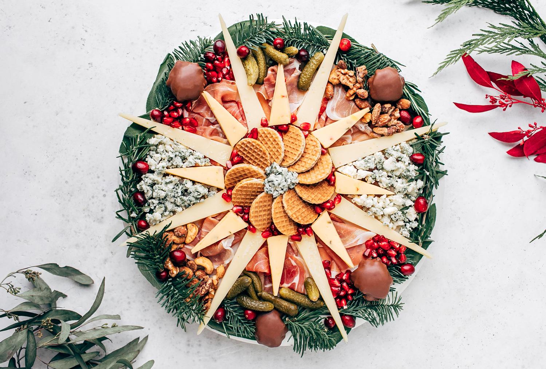 Holiday Cheeseboard Wreath