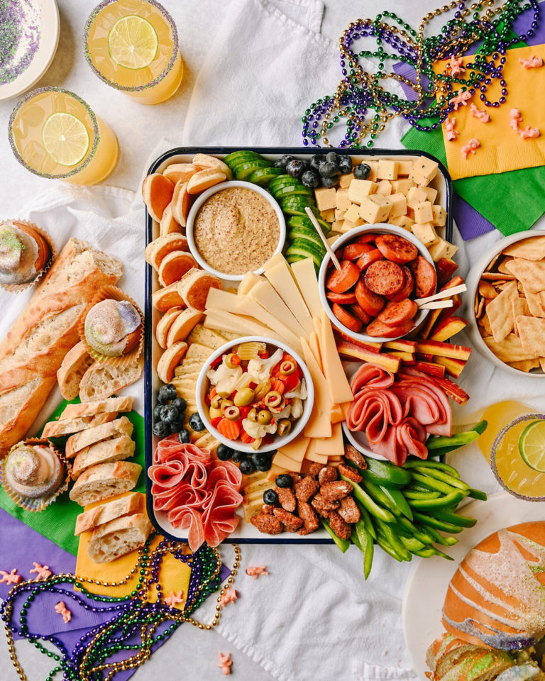 How to Make a Mardi Gras Cheeseboard